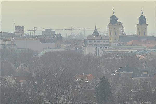 Szálló por, szmog, Debrecen