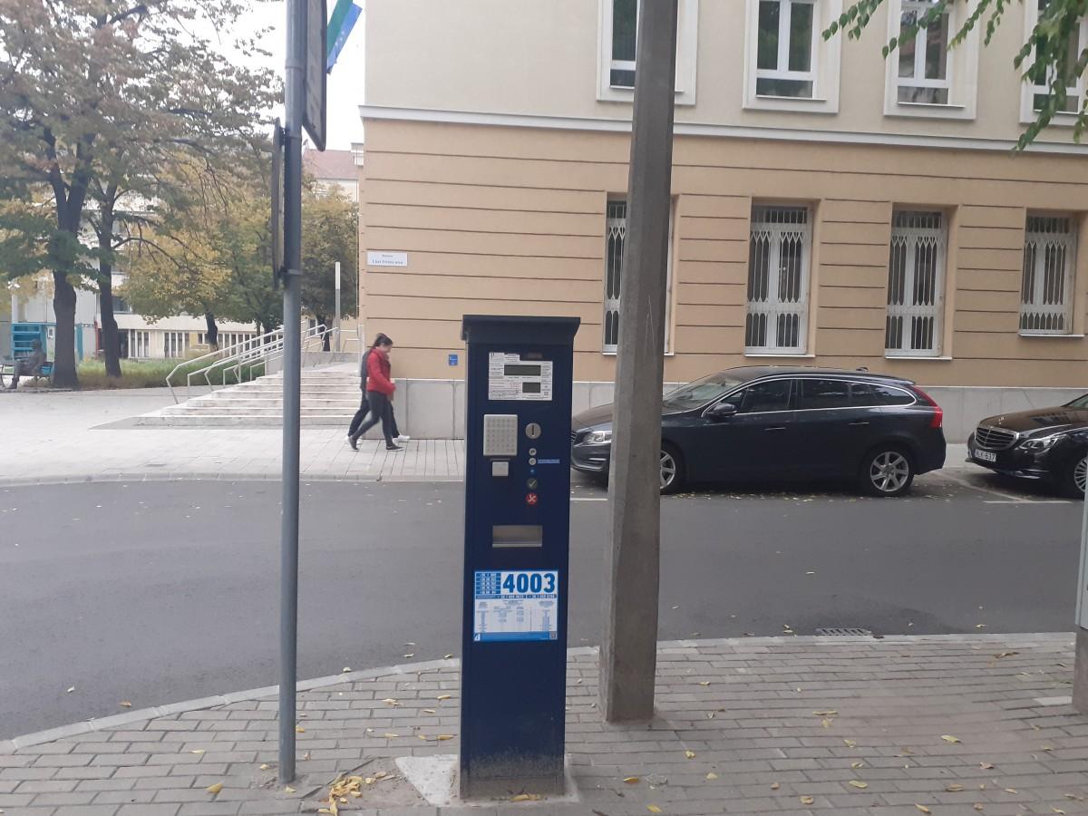Parkoló, Debrecen