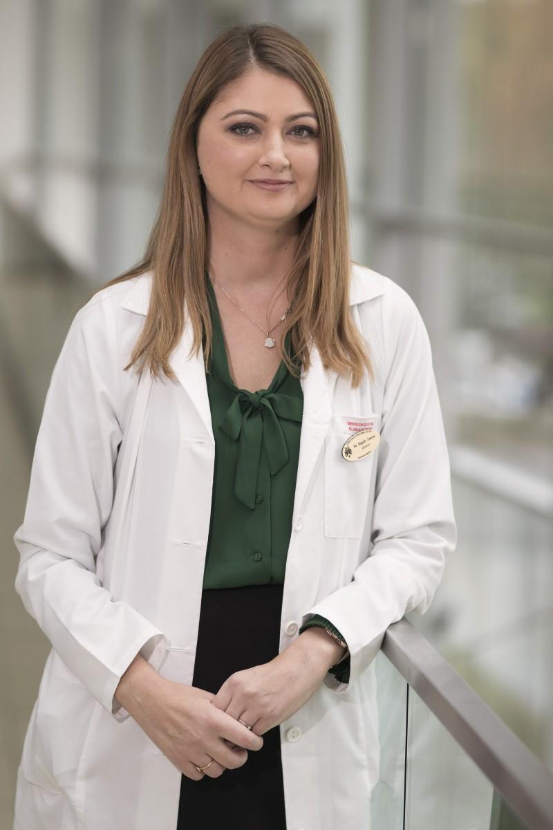 Dr. Bagoly Zsuzsa